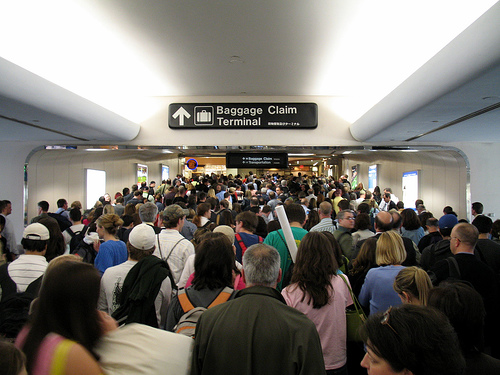 airport_crowd1